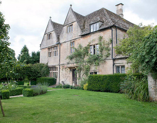 The Luxury Farmhouse